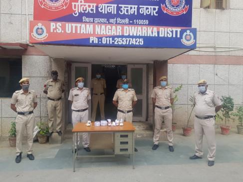 दिल्ली: तीन करोड़ की प्रतिबंधित दवा के साथ 5 गिरफ्तार, दो महिलाएं भी शामिल