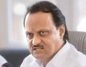 उपमुख्यमंत्री पवार ने रेलमंत्री को लिखा पत्र,कहा-प्रवासी मजदूरों को उनके घर भेजने स्पेशल ट्रेन चलाए केंद्र सरकार