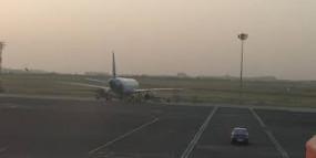 लॉकडाउन के दौरान विमानतल फ्यूल भरवाने आए दो विमान