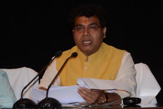 उप्र के उपभोक्ताओं की संतुष्टि सुनिश्चित करें यूपीपीसीएल अध्यक्ष : ऊर्जा मंत्री