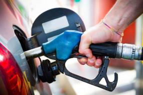 Fuel Price: लॉकडाउन के आखिरी दिन पेट्रोल-डीजल की कीमत में राहत, जानें आज की कीमत