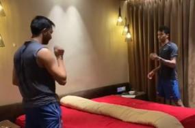 Watch Viral Video: पांड्या ब्रदर्स ने बैड पर हाथ से खेला टेबल टेनिस