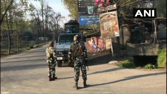 जम्मू-कश्मीर: पुंछ सेक्टर में पाकिस्तान ने किया सीजफायर उल्लंघन, कुलगाम में मुठभेड़