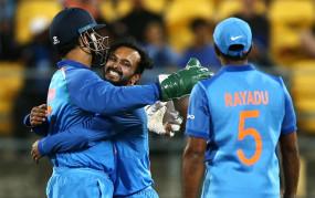 क्रिकेट: केदार जाधव ने कहा-धोनी के समर्थन के कारण इतने सारे वनडे मैच खेल सका