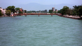 लॉकडाउन का असर: बिना किसी प्रोजेक्ट के 40 फीसदी शुद्ध हुआ गंगा का पानी