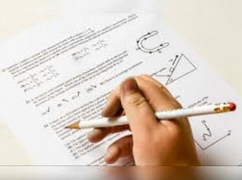 जेईई और नीट परीक्षा की नई तारीखों पर मंथन, आगामी सत्र में सिलेबस कम कर सकता है सीबीएसई