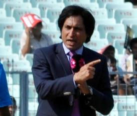 क्रिकेट: रमीज राजा ने कहा- मूर्खो की जमात में शामिल हुआ उमर अकमल