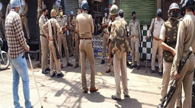 कोरोनावायरस: मेरठ में मस्जिद सील करने पहुंची पुलिस टीम पर हमला, इमाम सहित 4 गिरफ्तार