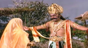 Ramayan Video: 'सीता का हरण' देख भावुक हुए 'रावण', फिर जोड़ लिया हाथ