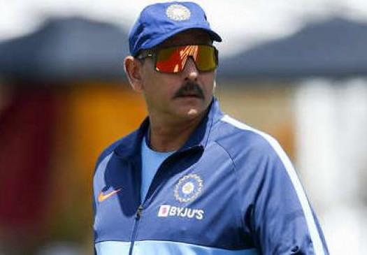 क्रिकेट: टीम इंडिया के कोच शास्त्री ने कहा, COVID-19 के खिलाफ लड़ाई वर्ल्ड कप से भी बड़ी, देखें वीडियो