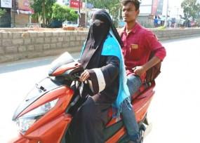 मां तुझे सलाम: लॉकडाउन में फंसे बेटे को घर लाने महिला ने स्कूटी से किया 1400 किमी सफर