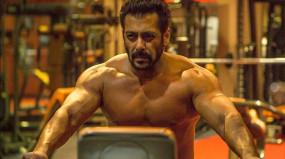 लॉकडाउन: सलमान खान बीता रहे हैं इस खास शख्स के साथ अपना सारा समय, जानें कौन है वो