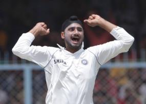 क्रिकेट: सकलैन ने कहा- हरभजन टीम इंडिया के लिए नियमित रूप से खेलते, तो वह अब तक 700 टेस्ट विकेट ले चुके होते