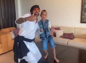 WATCH viral video: धवन ने बेटे जोरावर के साथ पॉपुलर बॉलीवुड सॉन्ग 'डैडी कूल' पर किया डांस