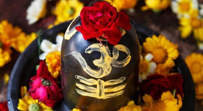 सोम प्रदोष: आज ऐसे करें भगवान शिव को प्रसन्न, जानें पूजा विधि