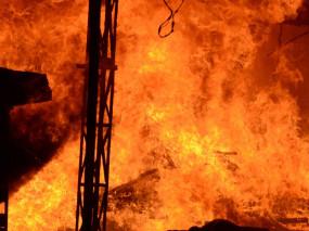 उप्र : बांदा में घरेलू गैस सिलिंडर से दुकान में लगी आग