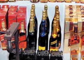 ऑनलाइन शराब बिक्री के वायरल मैसेज फर्जी ,5.55 करोड़ की शराब बरामद