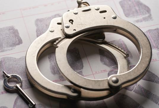 कश्मीर में 3 आतंकी गिरफ्तार