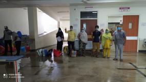 कोरोना संक्रमण से स्वस्थ होने पर मेडिकल कॉलेज अस्पताल से 6 लोग डिस्चार्ज हुए