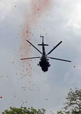 वायुसेना ने चंडीगढ़ से किया फ्लाईपास्ट Coronavirus protest march