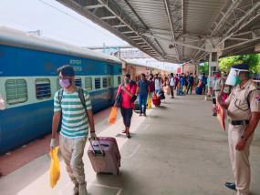 ट्रेन से जम्मू-कश्मीर लौट रहे सभी लोगों की कोरोना जांच की जाएगी