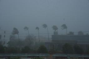 अम्फान : ओडिशा में भारी बारिश, तटीय इलाकों में बढ़ी हवा का रफ्तार