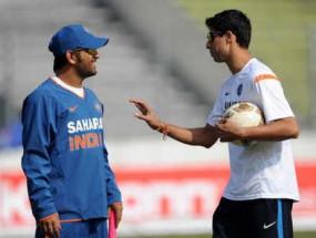 क्रिकेट: आशीष नेहरा ने कहा, एमएस धोनी हमेशा खिलाड़ियों से बातचीत के लिए रहते हैं उपलब्ध