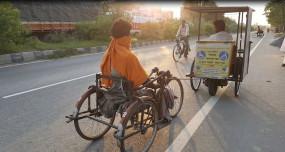 बिहार : जब दिव्यांग ही, दिव्यांग का बना मददगार !