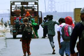 प्रवासियों के लिए उप्र में चल रही बसें, अब कोई नहीं जा रहा पैदल