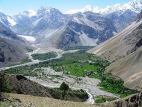 गिलगित-बाल्टिस्तान सरकार के अधिकारों में कटौती से विवाद