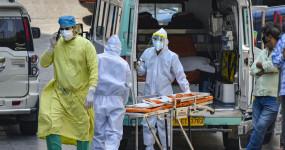 Coronavirus india: देश में बढ़ा कोरोना का खतरा, बीते दो दिन में मिले 13 हजार से ज्यादा संक्रमित, 320 मरीजों ने दम तोड़ा