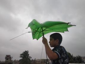 चक्रवात अम्फान की दस्तक शुरू, 4 घंटों तक रहेगा तूफान