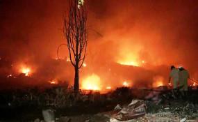 दिल्ली: तुगलकाबाद की झुग्गियों में भीषण आग, 250 झोपड़ियां खाक, दमकल की 30 गाड़ियों ने पाया काबू