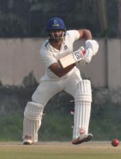 क्रिकेट: मनोज तिवारी ने कहा, टीम से निकलने पर आज तक धोनी से सवाल नहीं किया