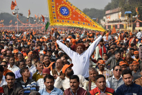 शिवसेना को सोनिया सेना मत बनाओ- महाराष्ट्र में फिर साधु की हत्या पर भड़की विहिप