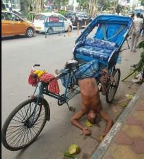 Fake News: लॉकडाउन के कारण भूख से हुई रिक्शाचालक की मौत?