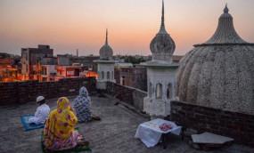 ईद मुबारक: जम्मू-कश्मीर में ईद आज, बाकी जगह सोमवार को मनाया जाएगा त्योहार