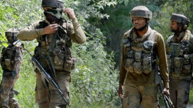 जम्मू-कश्मीर: कुलगाम के वानपोरा में मुठभेड़, सुरक्षाबलों ने मार गिराए दो आतंकवादी