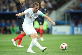 इंग्लैंड के फुटबॉल कप्तान केन शर्ट प्रायोजित करेंगे