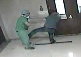 Fake News: क्या जी न्यूज के कर्मचारी ने डॉक्टर के साथ की मारपीट? वीडियो वायरल