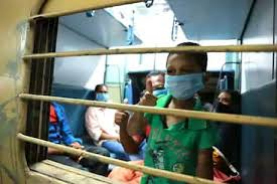 325 ट्रेनों से भेजे गए पांच लाख प्रवासी मजदूरः देशमुख