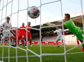 कोरोना के बीच फुटबॉल: बुंदेसलीगा के 26वें राउंड के मैच में बायर्न म्यूनिख ने बर्लिन यूनियन को 2-0 से हराया