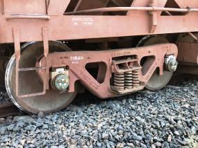 बे-पटरी हुई मालगाड़ी, ट्रेक पर कार्य कर रहे मजदूरों में हड़कंप, बड़ा हादसा टला