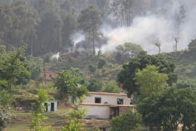 जम्मू-कश्मीर के बारामुला में नियंत्रण रेखा पर भारी गोलीबारी