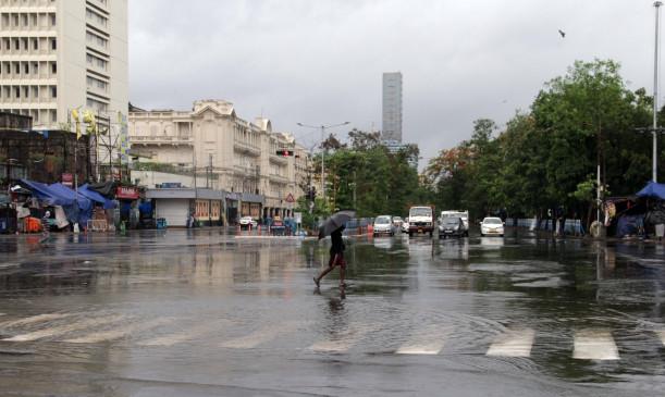 चक्रवाती तूफान अम्फान के कारण बंगाल में भारी बारिश, तेज हवाएं