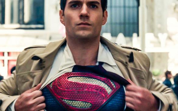 Hollywood: सुपरमैन के रूप में वापसी कर सकते हैं हेनरी कैविल