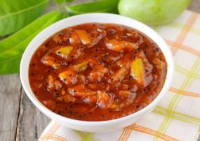 Mango Dish: सब्जी का ना करें इंतजार आम से बनाएं खट्टी मीठी- लौंजी