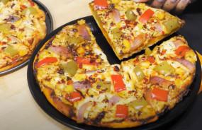 Pizza recipe: बिना चीज बिना यीस्ट और बिना बेकिंग पाउडर के घर पर ऐसे बनाएं पिज्जा