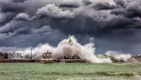 अरब सागर के ऊपर तूफान सक्रिय, 3 जून तक गुजरात, महाराष्ट्र में देगा दस्तक