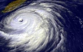 Amphan Cyclone: ओडिशा तट के करीब चक्रवाती तूफान 'अम्फान', सहमे कई राज्य, जानिए कहां-कहां से गुजरेगा